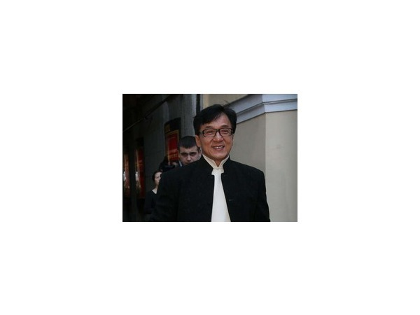 Джеки Чан извинился перед обществом за поведение своего сына Джейси