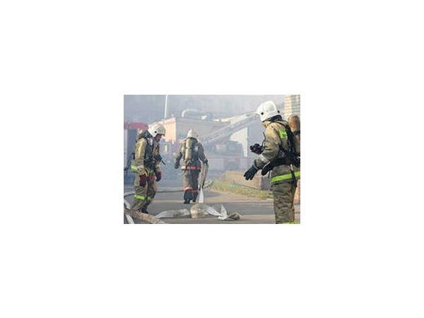 На складе в подмосковных Мытищах произошел крупный пожар