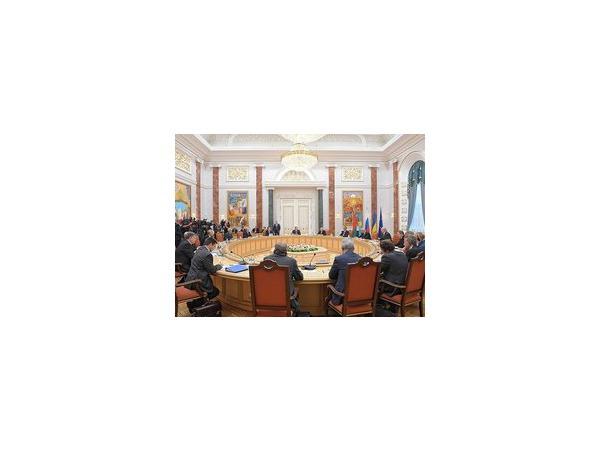 По итогам встречи Путина и Порошенко в Минске 26 августа, российский президент заявил, что прекращение огня в Донбассе — это дело самой Украины