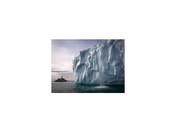"""Власти Канады готовы """"силой"""" защищать свой суверенитет в Арктике от нападок России"""