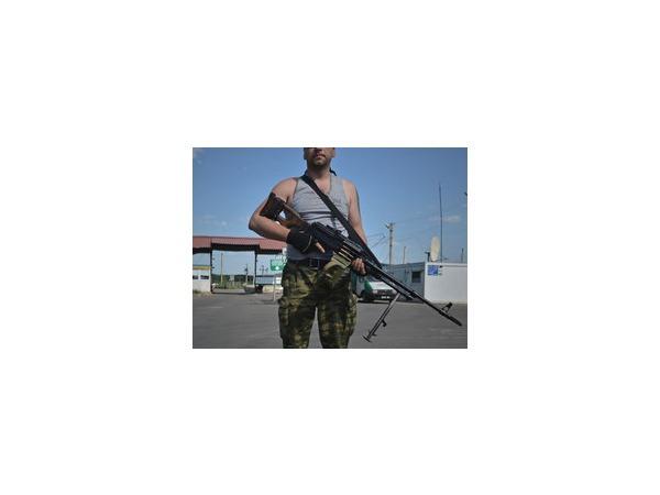Премьер самопровозглашенной ДНР Захарченко признал, что на юго-востоке Украины за ополченцев воюют добровольцы из числа российских военных