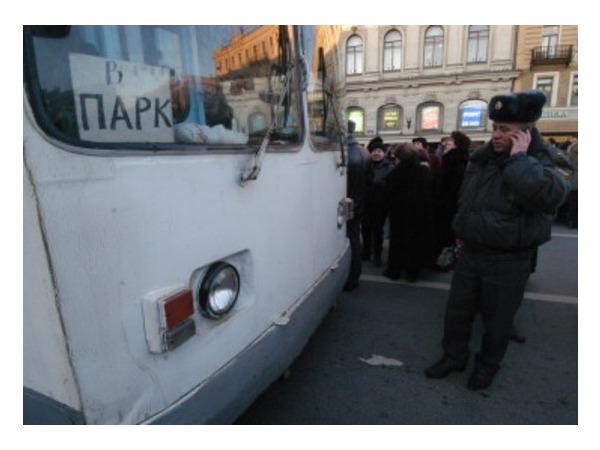 На Кронштадтской площади сгорел троллейбус