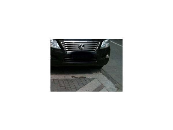 Первая будущая платная парковка на Караванной улице в Петербурге должна открыться до 15 сентября 2014 года, поначалу она будет функционировать в демонстрационном режиме