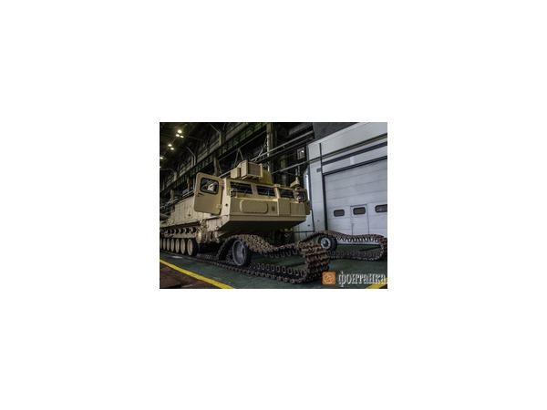Кировский завод закончил производство шасси для комплексов С-300, которые поставляются для загадочного «иностранного заказчика»