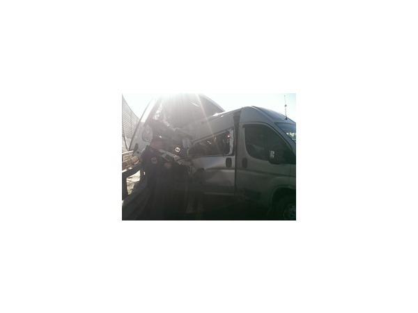 У парка Авиаторов в Петербурге произошла авария с туристическим автобусом