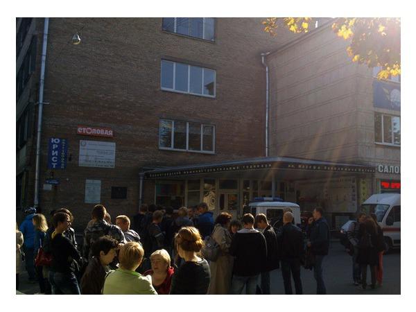 ДК Газа на Стачек эвакуировали, в здании слышались хлопки
