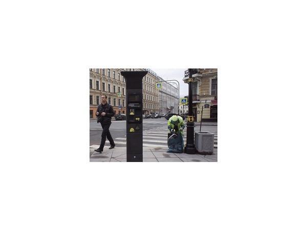 Платной парковкой Петербурга занялись москвичи