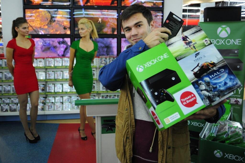 Первый покупатель Xbox One в Петербурге