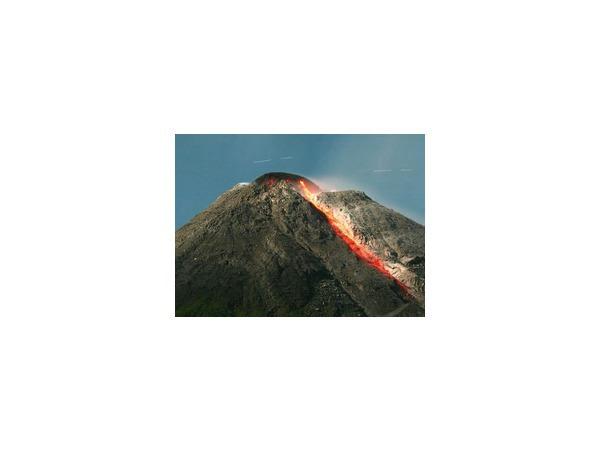 В результате неожиданного извержения вулкана в Японии погибли более 30 человек