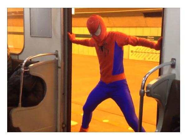 Человек-паук в петербургском метрополитене