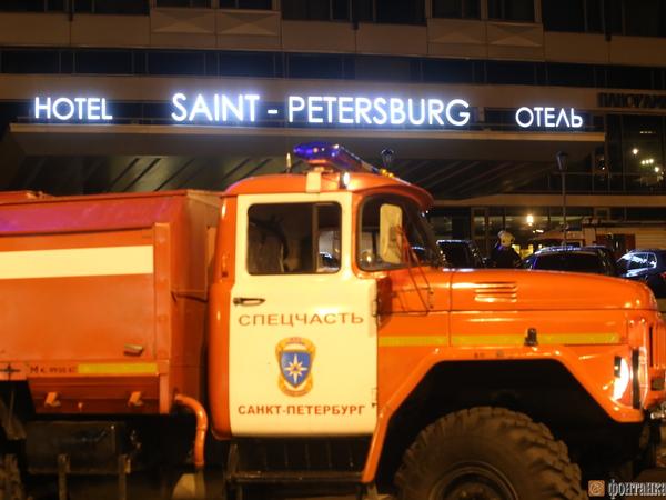 """Жилые помещения при пожаре в гостинице """"Санкт-Петербург"""" не пострадали"""