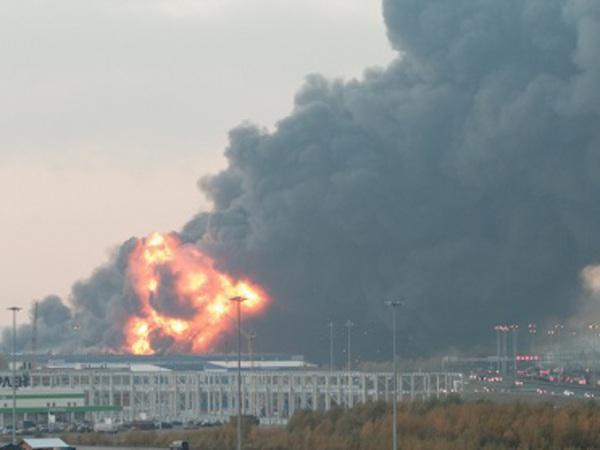 Для тушения пожара на Парнасе привели в готовность авиацию
