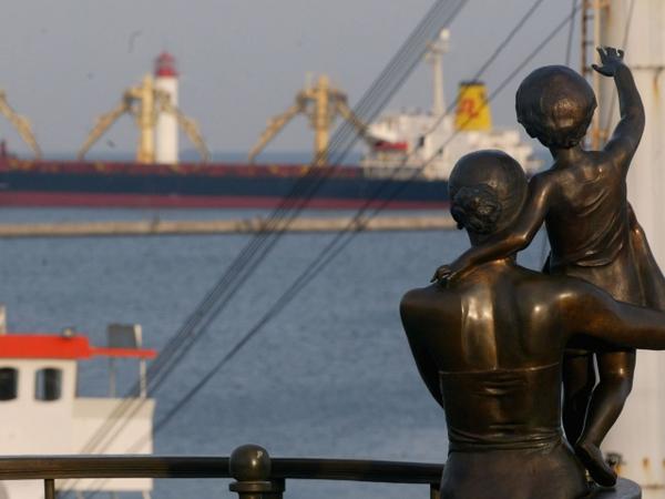 Число жертв крушения катера рядом с Одессой возросло до 16 человек