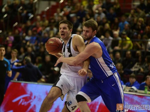 Баскетбольный «Зенит» одержал пятую победу подряд