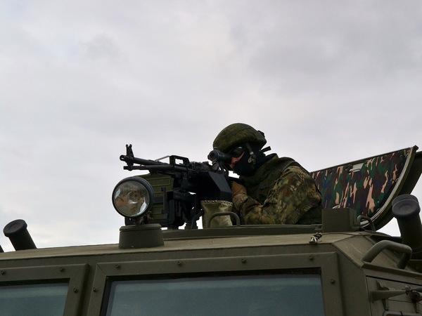 Турчак ознакомился с навыками рукопашного боя псковского спецназа