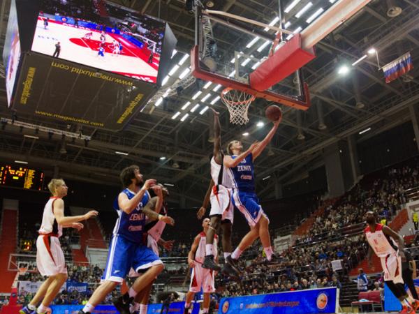 Баскетбольный «Зенит» начал сезон с триллера