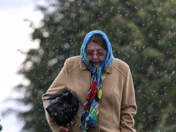 В Петербурге - снегопад