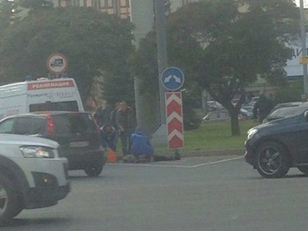 На севере Петербурга взрыв. Есть пострадавшая