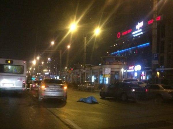 Несколько пешеходов сбито в Петербурге. Один – насмерть