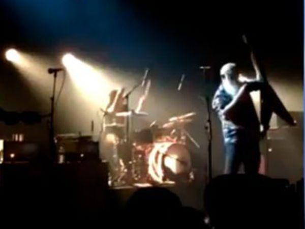 """Первые секунды теракта на концерте в парижском """"Батаклан"""" снял на видео очевидец"""