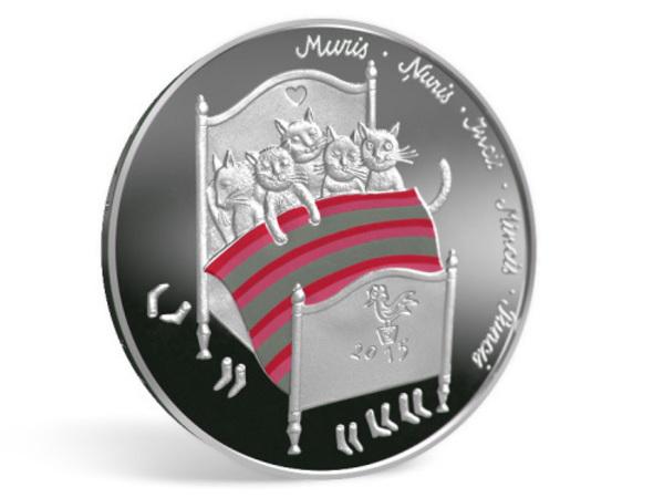 Латвийский банк выпускает монету с котиками