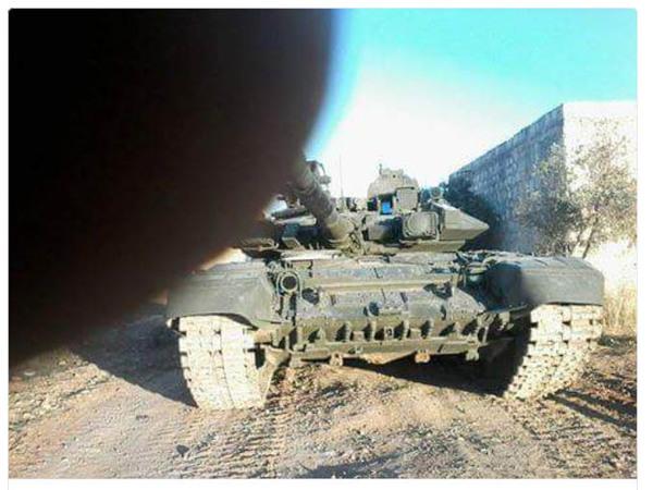 В Сети появились фото российских танков, якобы принимающих участие в наземной операции в Сирии
