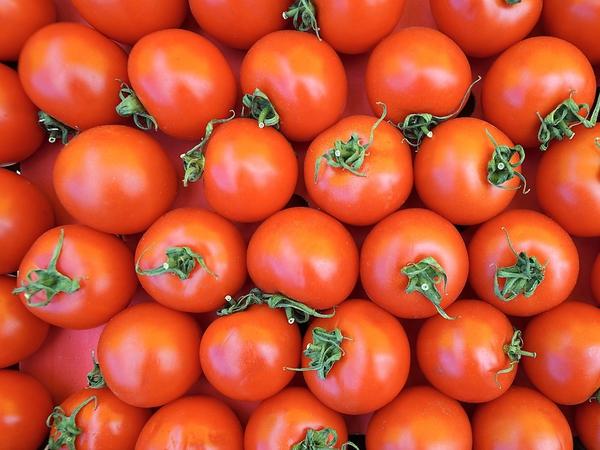 Туркам отомстим помидорами