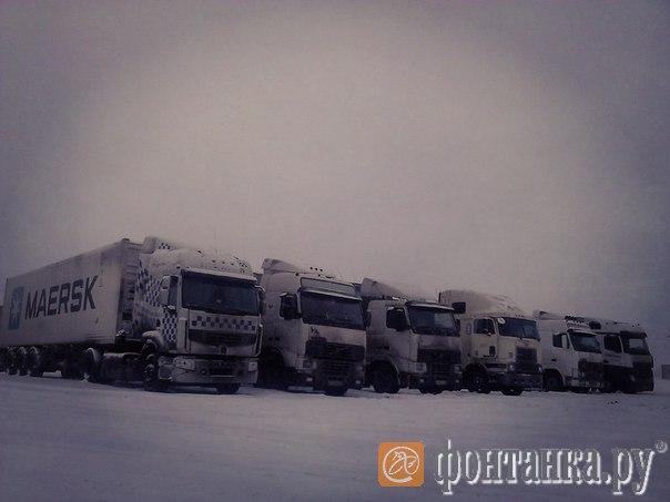ночная стоянка петербургских дальнобойщиков в Большой Киселенке (Тверская область)