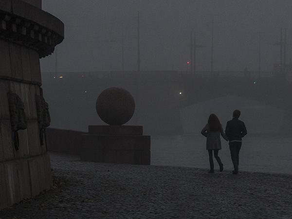 Сильный туман в Петербурге: видимость менее 1000 м