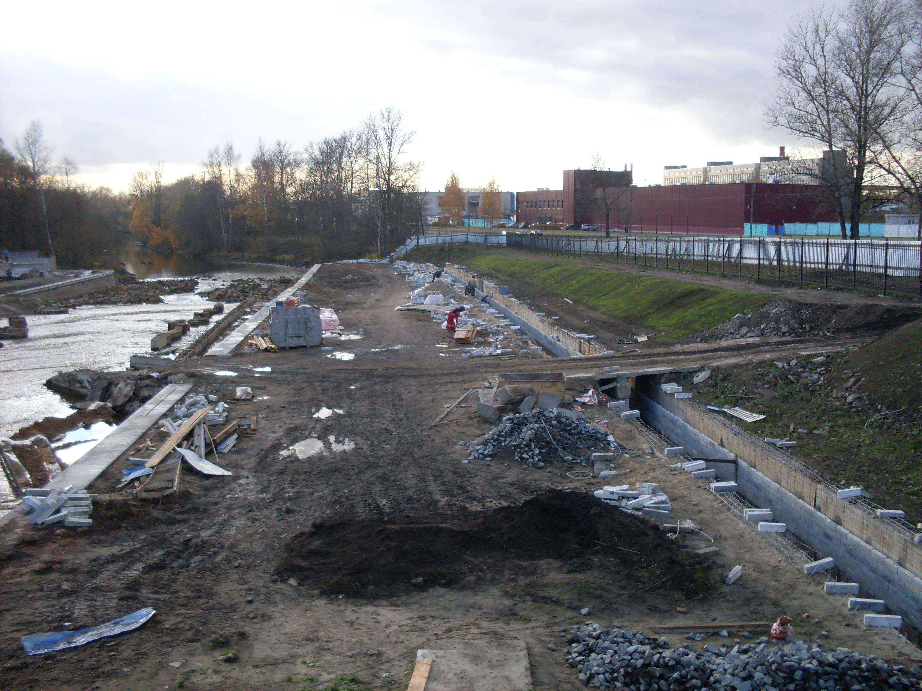 плотина Ржевского гидроузла на Большой Охте