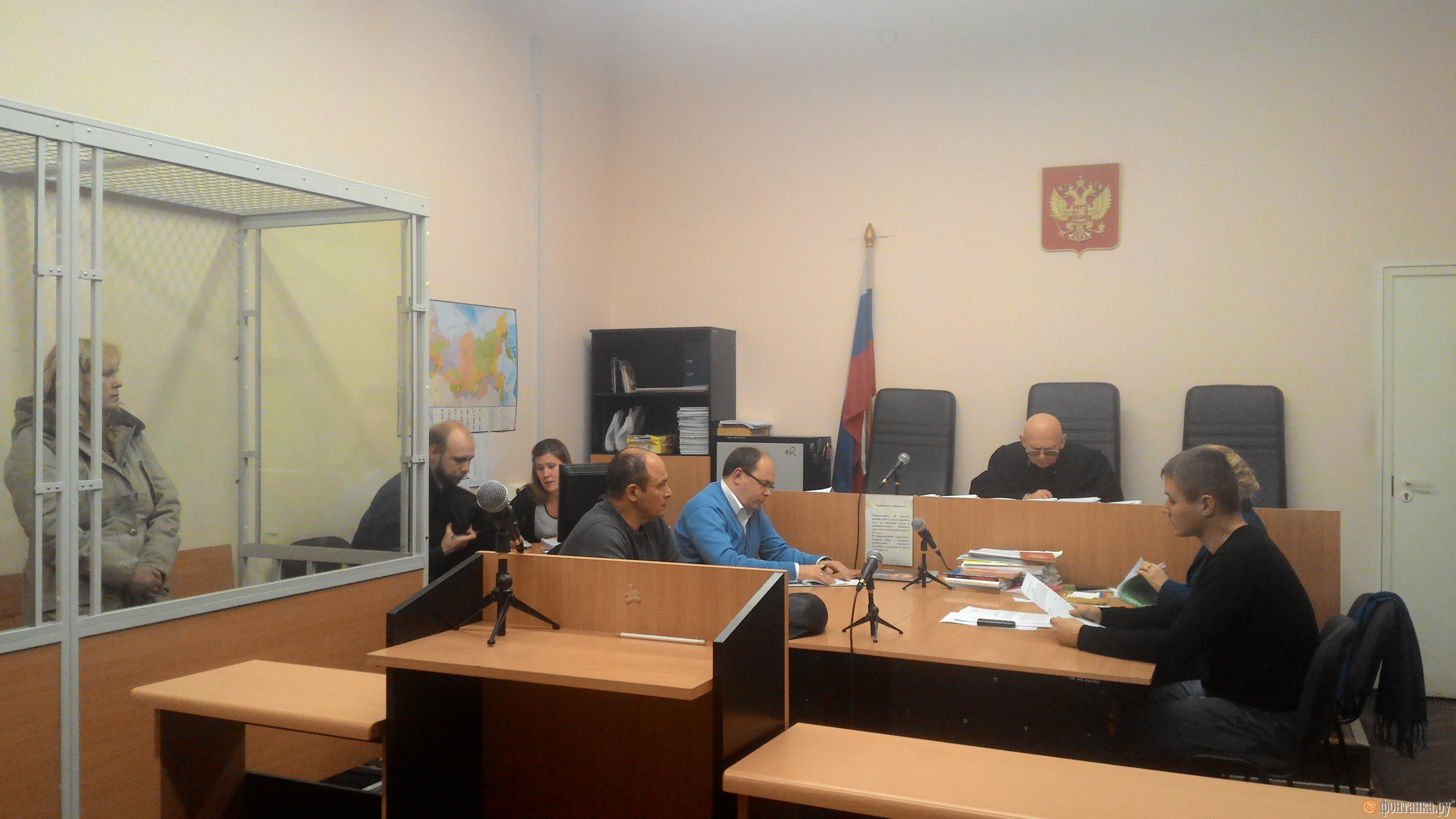 Суд отложил решение об аресте сотрудницы петербургского военкомата (Иллюстрация 1 из 1) (Фото: Денис Коротков)