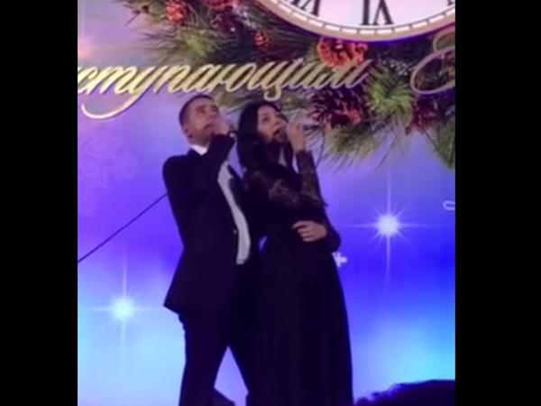 Депутаты Госдумы на корпоративе спели с российскими артистами