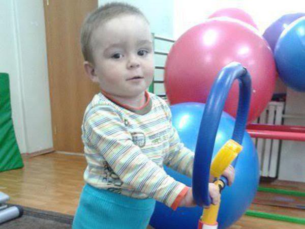 Маленькому Илье нужна помощь взрослых