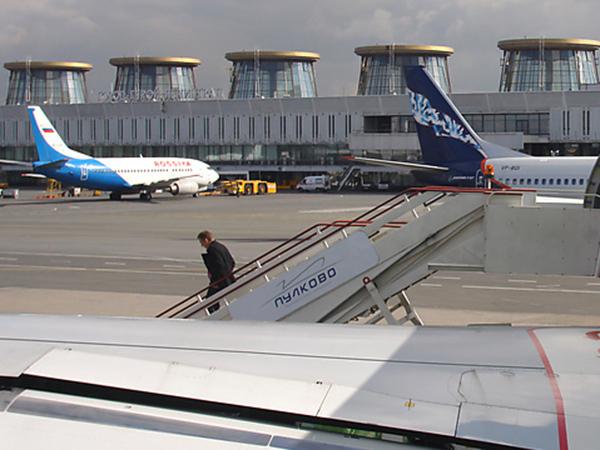 Почему аэропорт Пулково пошел на посадку