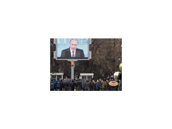 """""""Первый канал"""" увидел в Немцове честного политика"""