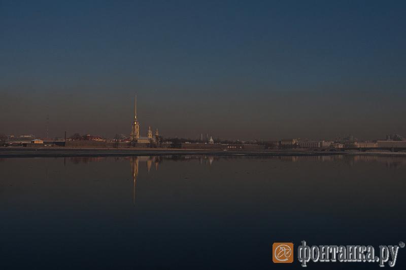 Пыльное марево в центре Петербурга