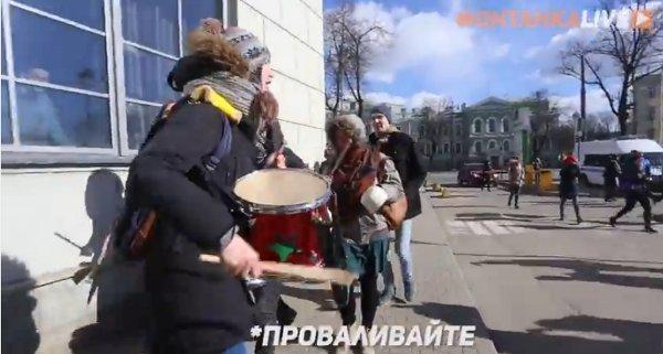 Акция протеста. Кадр из видеозаписи