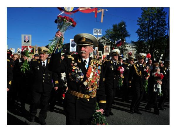 Маленькое чудо «Бессмертного полка»: шествие закончилось в 19.45