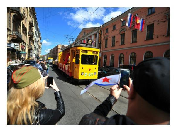 Петербуржцы напрасно ждали поездки на ретротрамвае