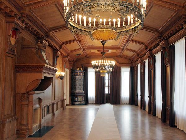 «Интарсия» сдала Тверской дворец