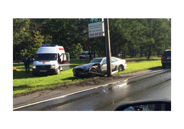В ДТП в Приморском районе пострадал водитель «Мерседеса»