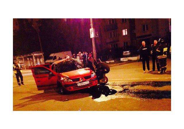 Очевидцы: В Гатчине погиб мотоциклист, есть пострадавшие