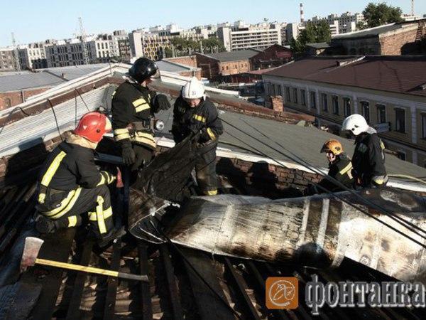 Пожар в торговой зоне на Лиговском потушили