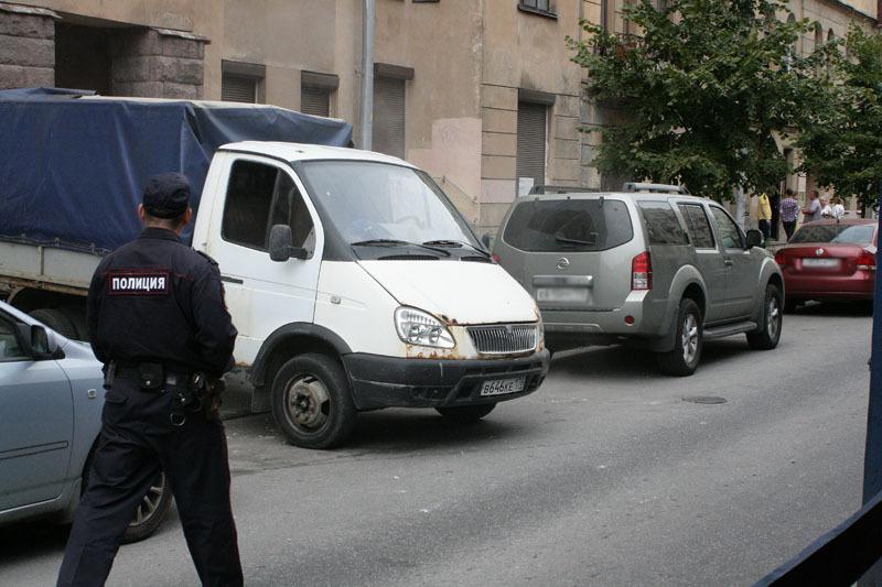 Автомобиль, на котором предположительно вывезли обломки скульптуры
