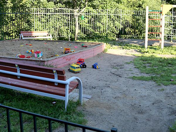 Для детских площадок тоже нужна инструкция по применению