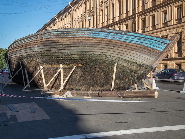 На улице Чайковского нашли корабль
