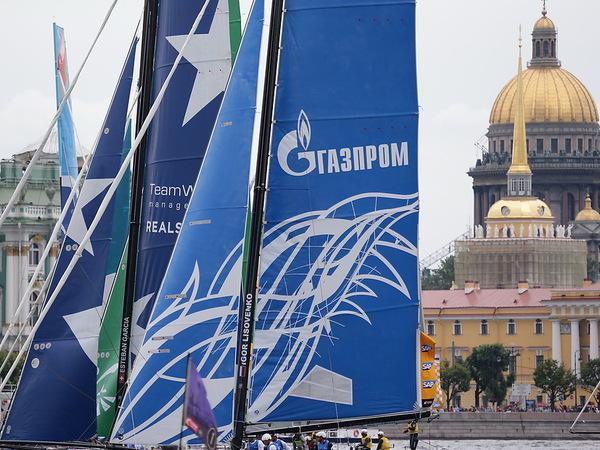 Петербург зарабатывает на кризисе