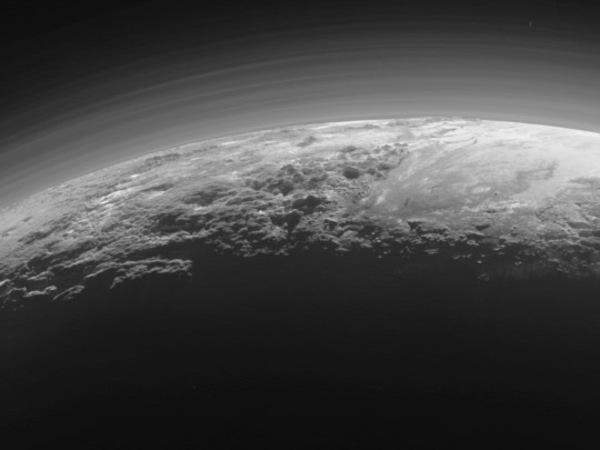 NASA обнаружило похожие черты между атмосферами Земли и Плутона