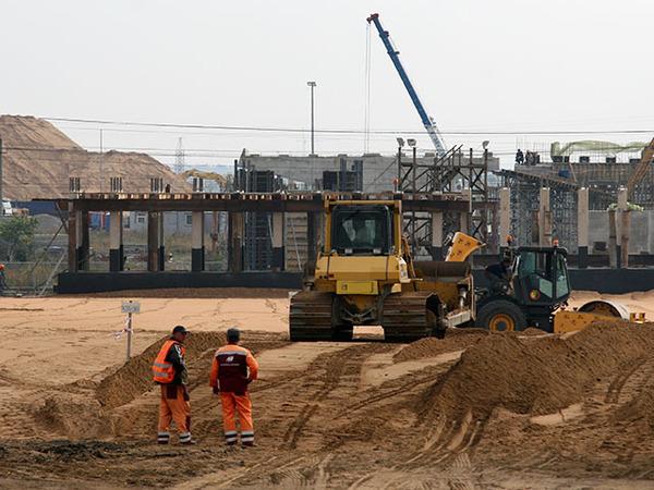 Путепровод на «Экспофорум»: без контракта, но зато строится