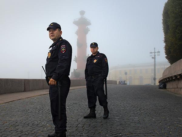 Полиция не заметила банду на Невском
